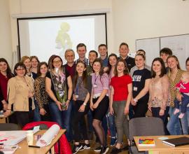 Про брейнстормінг та бізнес-моделювання для Школи молодіжного християнського лідерства